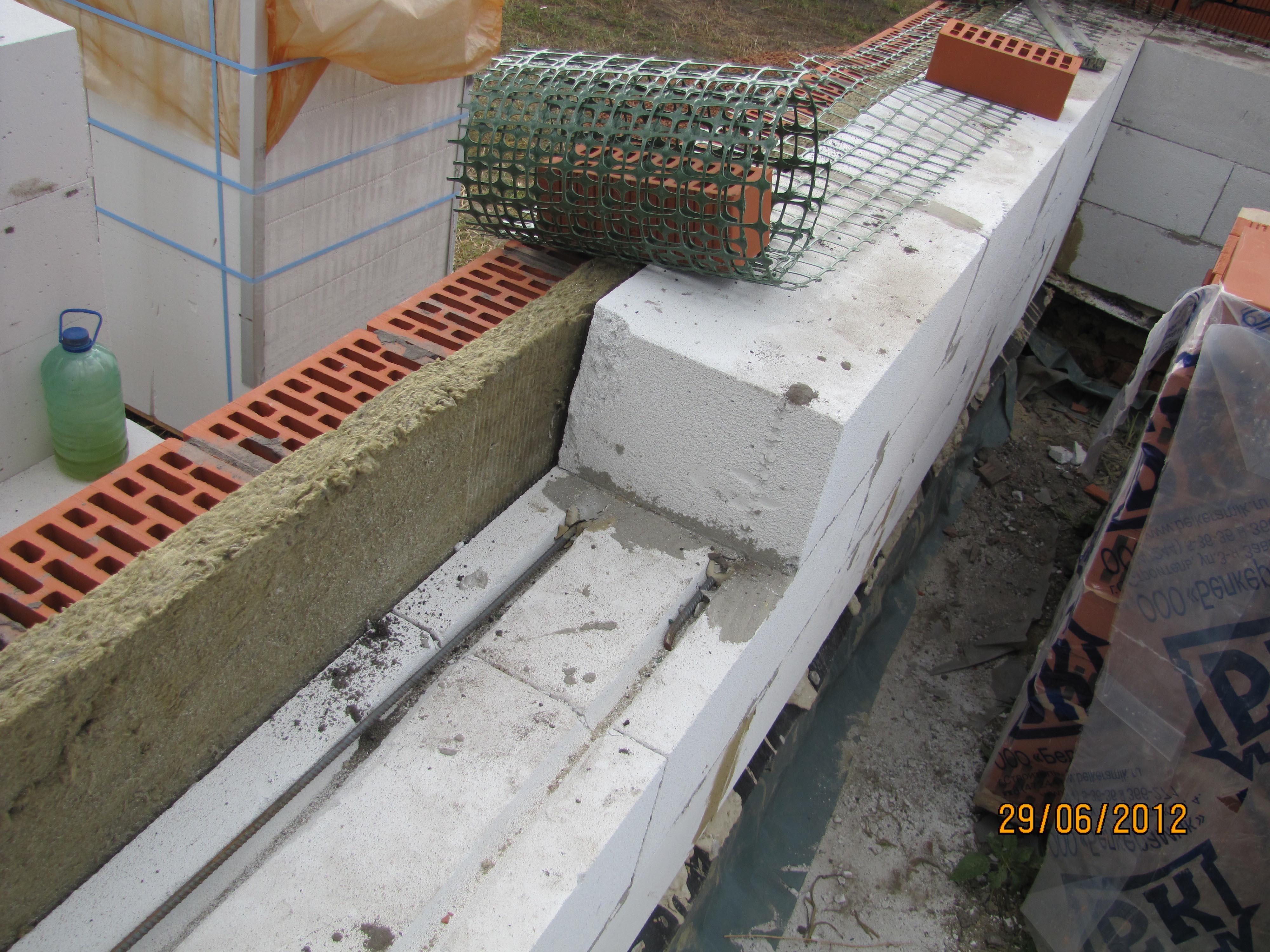 Утепление 6 метровой лоджии газобетонными блоками.